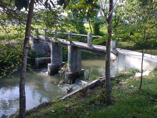 Embong sungai untuk cadangan air