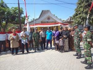 Bapak Camat Sumberrejo beserta Kepala Desa Deru siap memberangkatkan Peserta Grebek Desa